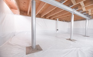 Crawl space structural support jacks installed in Prud'homme